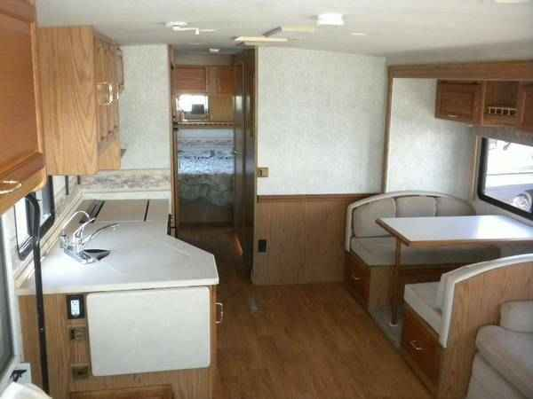 2000 Winnebago Adventurer 35u For Sale