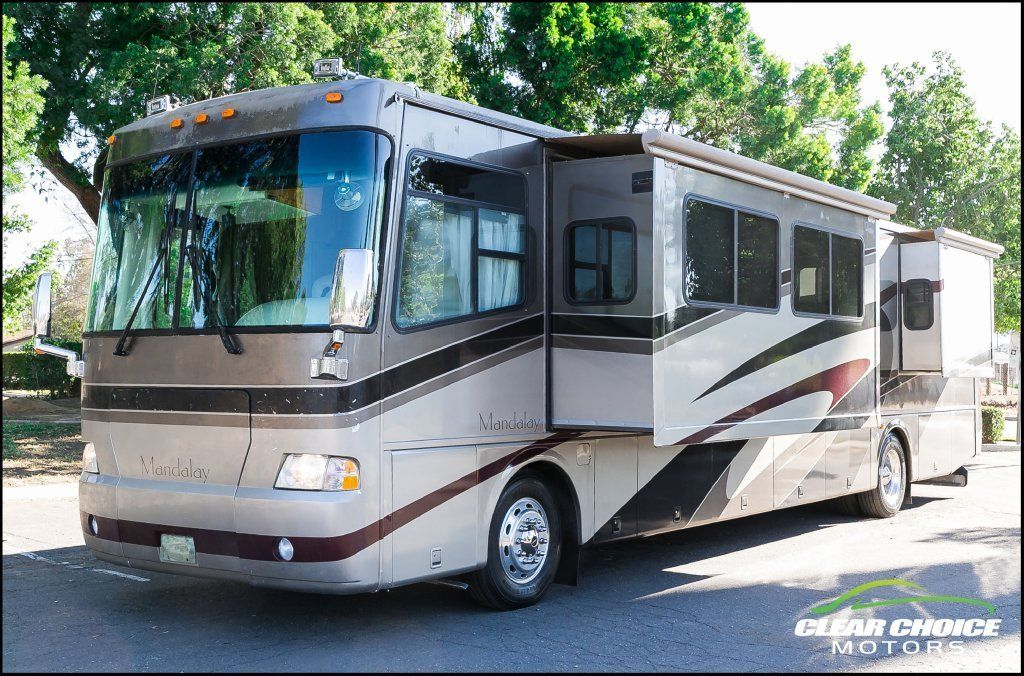 2004 Four Winds Mandalay Coach 40B for sale