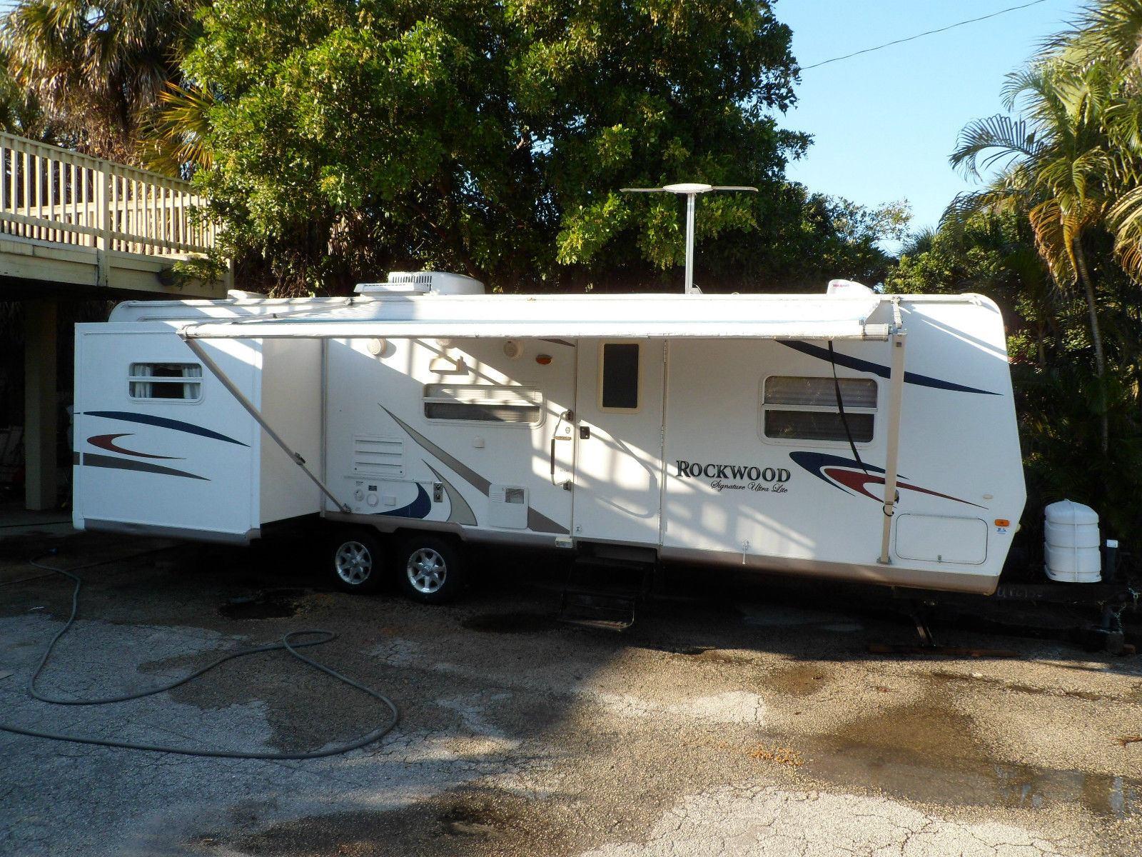 2008 Rockwood Light Weight 32′ 2 Slide outs camper trailer for sale