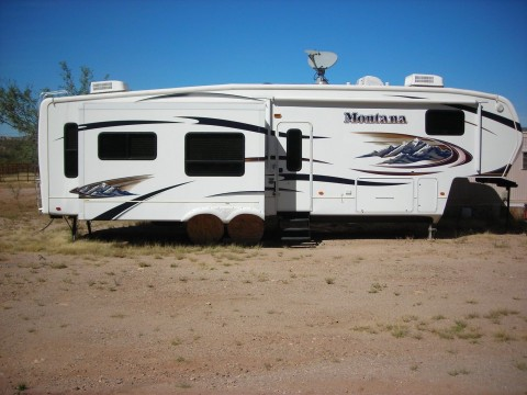 2010 Montana 5th Wheel 3400rl Hickory for sale