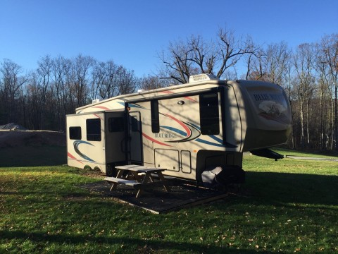 2011 Forest River Blue Ridge 3025RL Camper RV 5th Wheel for sale