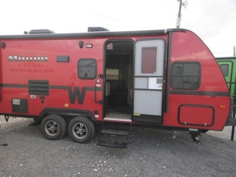 2014 Winnebago Minnie winnie Travel Trailer for sale