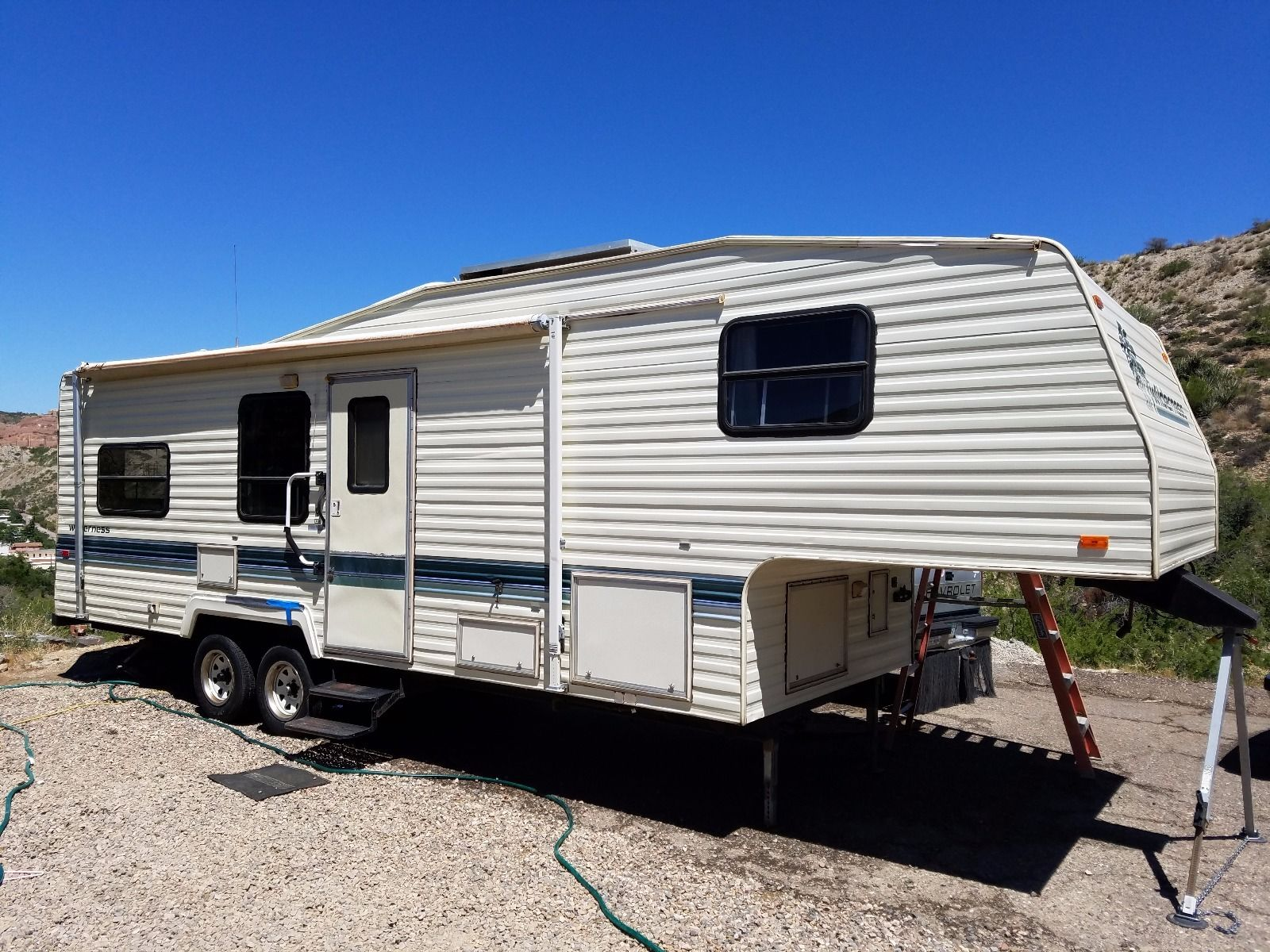 1994 Wilderness 28ft Fleetwood 5th Wheel For Sale