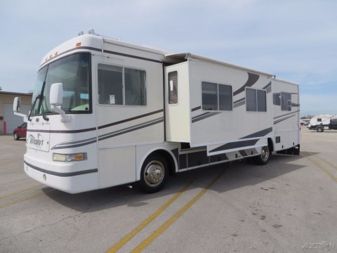 2001 Damon Motor Coach Ultrasport 3479 w/ 2 Slides Diesel Pusher for sale
