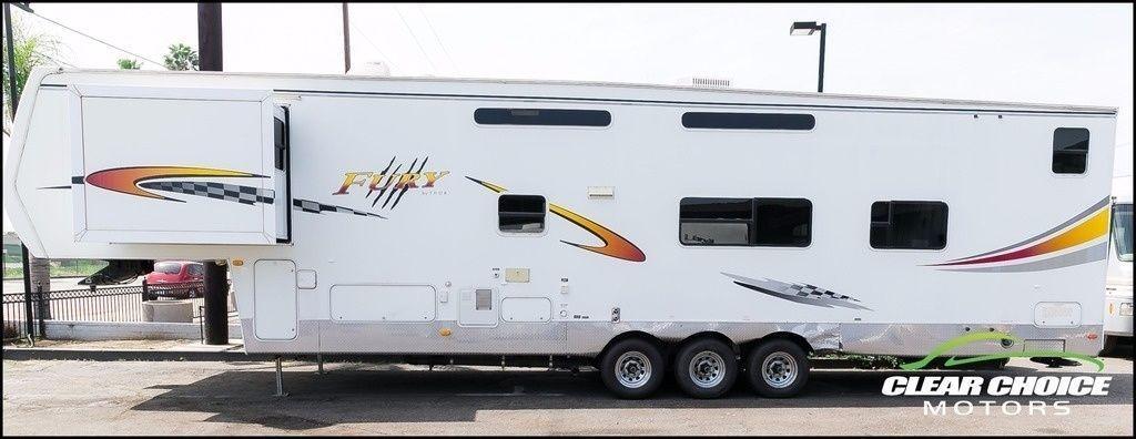 2004 Thor Tahoe Fury 38TB Toy Hauler