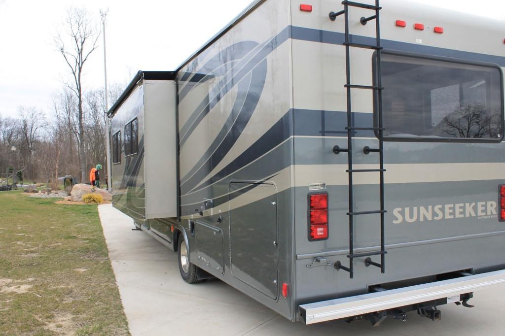2012 Sunseeker 3010ds Rv 32ft Luxury Motorhome Camper For Sale