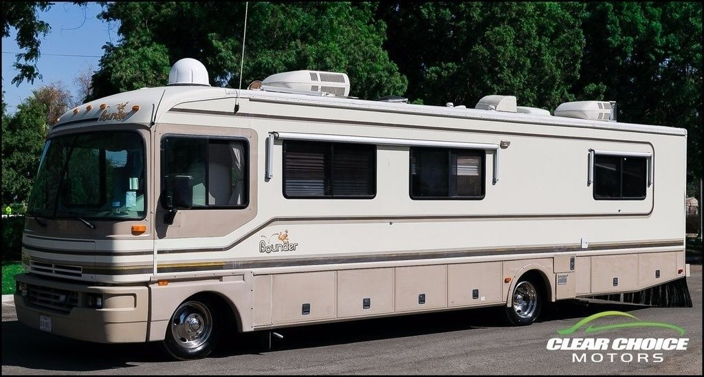 1996 Fleetwood Bounder 34J 35′ Class A RV Motorhome for sale