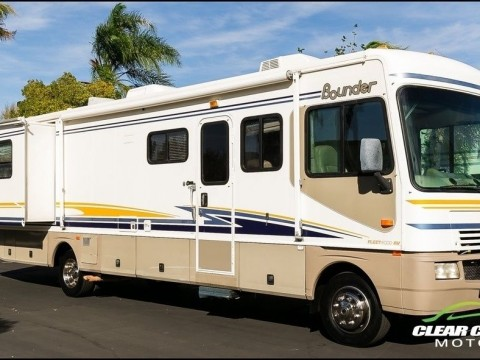 2003 Fleetwood Bounder 35E Two Slide RV Motorhome for sale