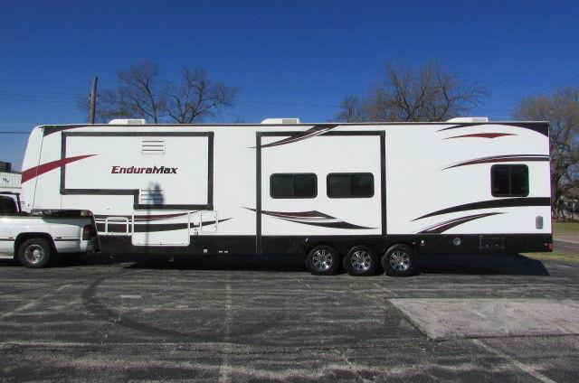 2011 Gulf Stream Enduramax 3912 5th Wheel toy hauler