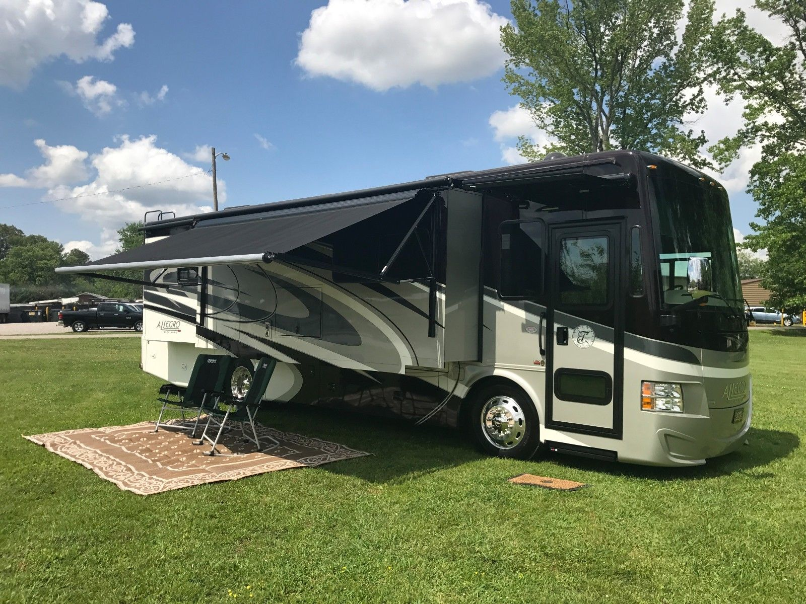 Low Miles 2016 Allegro Red Camper Rv For Sale