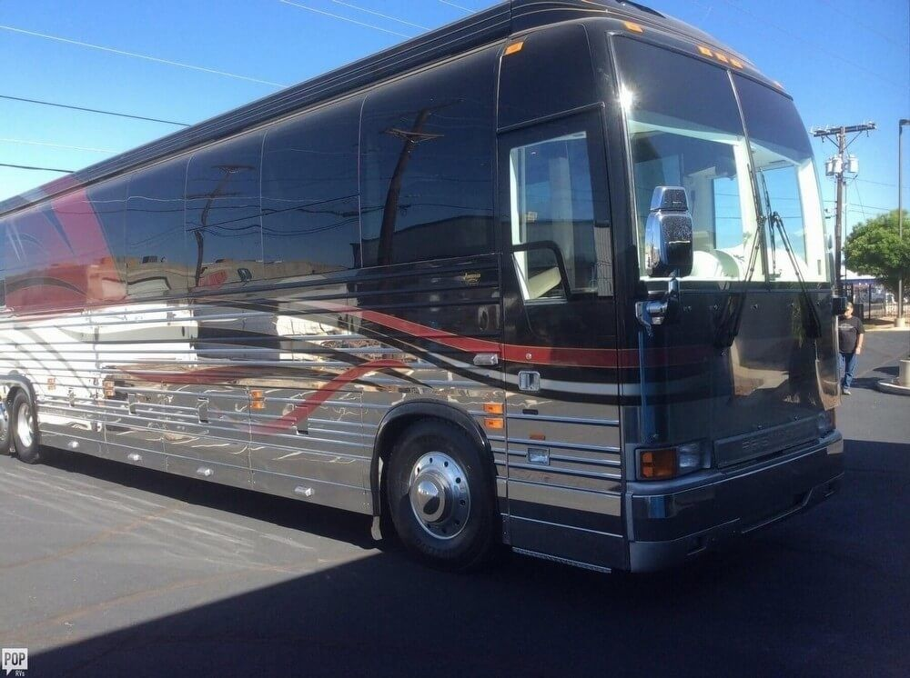 Luxury 2002 Prevost RV camper coach for sale