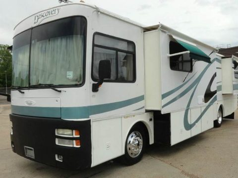 Mobile estate 2002 Fleetwood Discovery 38p camper rv for sale