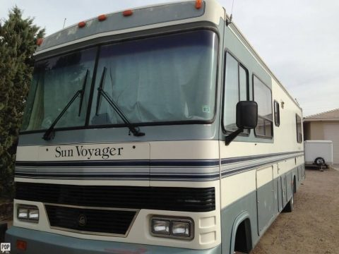 Nicely optioned 1991 Gulf Stream Sun Voyager camper RV for sale