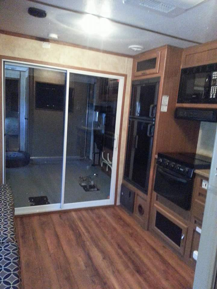 Awesome trailer 2012 Forest River 30WRS camper