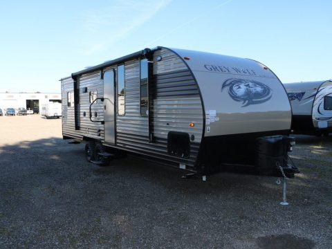 Rear load 2017 Forest River Grey Wolf 22RR Camper for sale