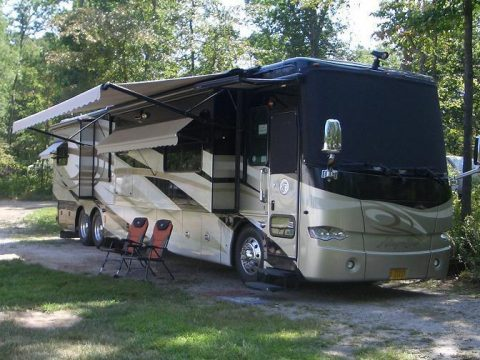 Tag axle 2010 Tiffin Allegro Bus camper for sale