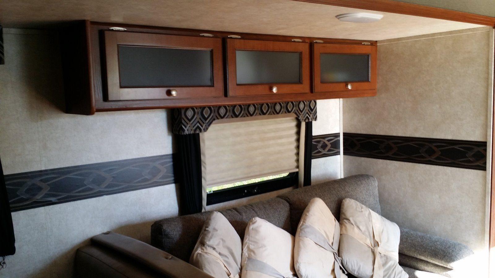 Upgraded bed 2015 Keystone camper trailer