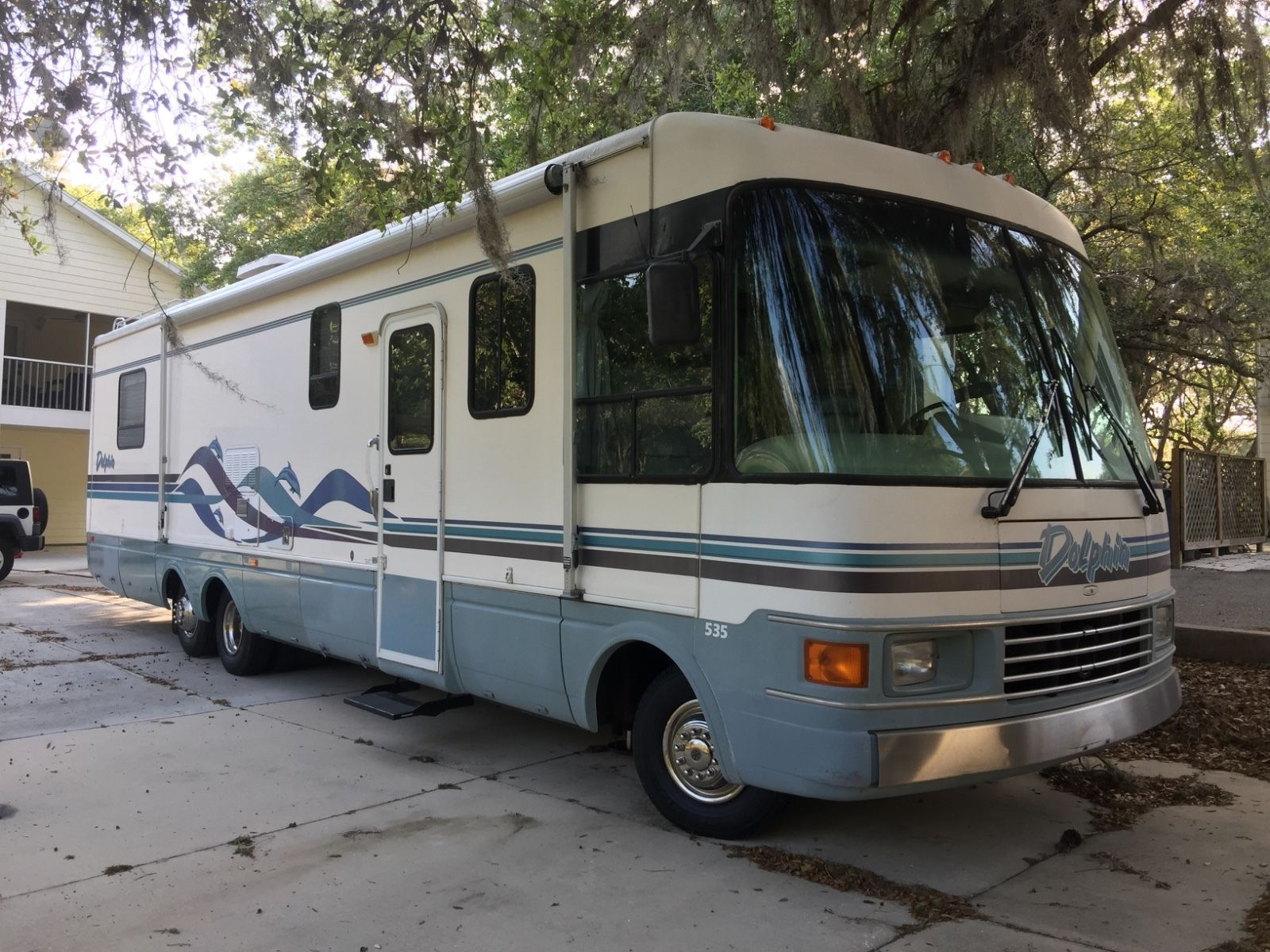 Well maintained 1996 National Dolphin camper for sale