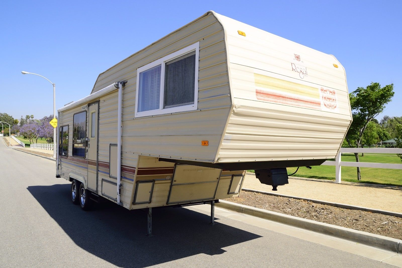 Extra Clean 1987 Fleetwood Prowler Regal Loaded camper for sale