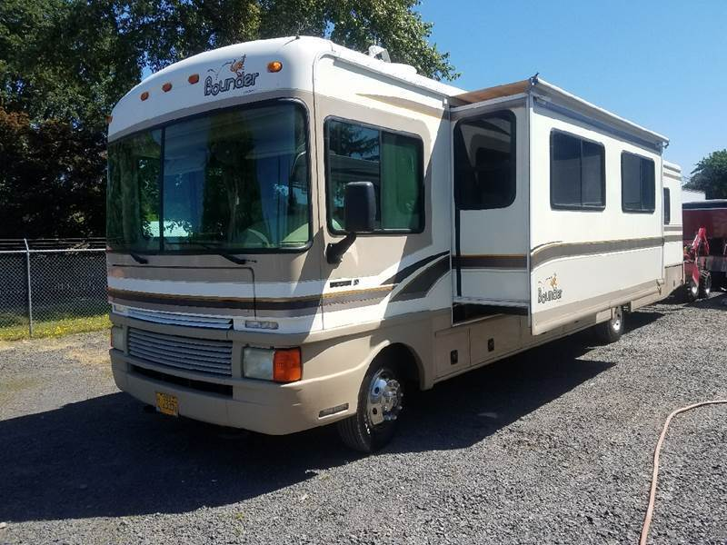 maintained 1999 fleetwood bounder camper motorhome for sale. Black Bedroom Furniture Sets. Home Design Ideas