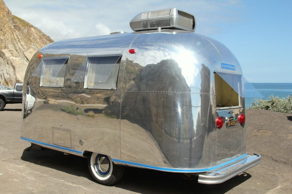 Vintage 1967 Airstream Caravel Camper Trailer For Sale