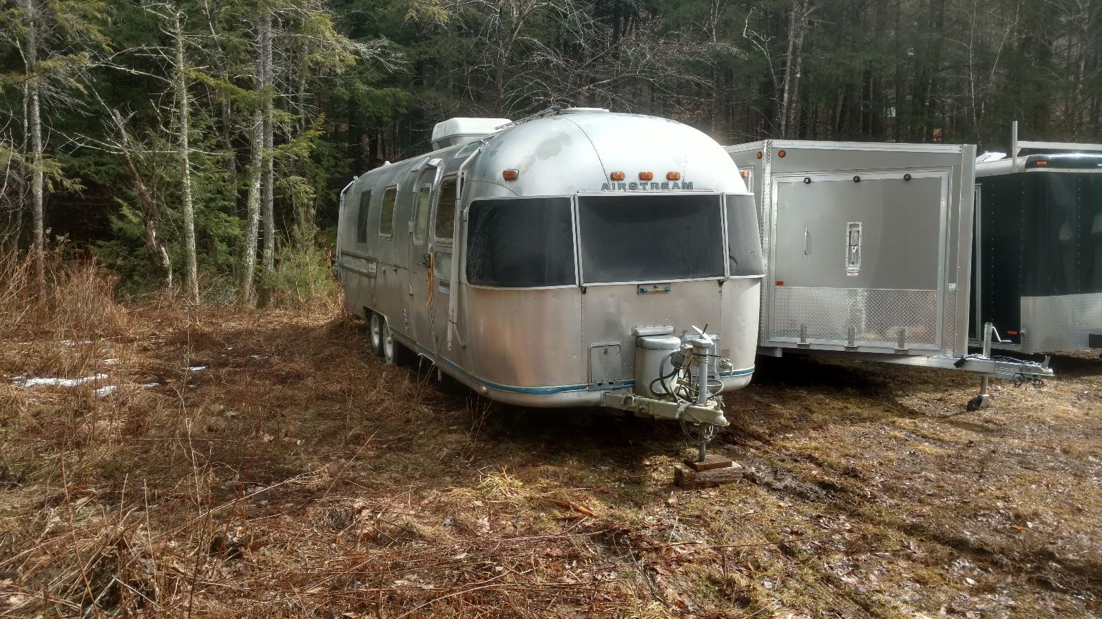 Vintage 1978 Airstream Sovereign camper trailer