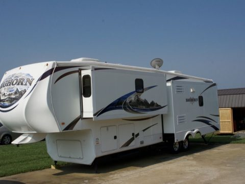 Well equipped 2012 Heartland 3585RL camper for sale