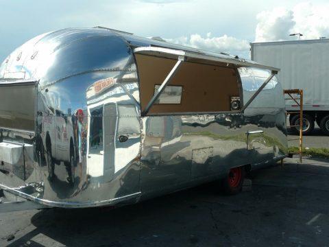 Vintage 1970 Airstream Tradewind Camper For Sale