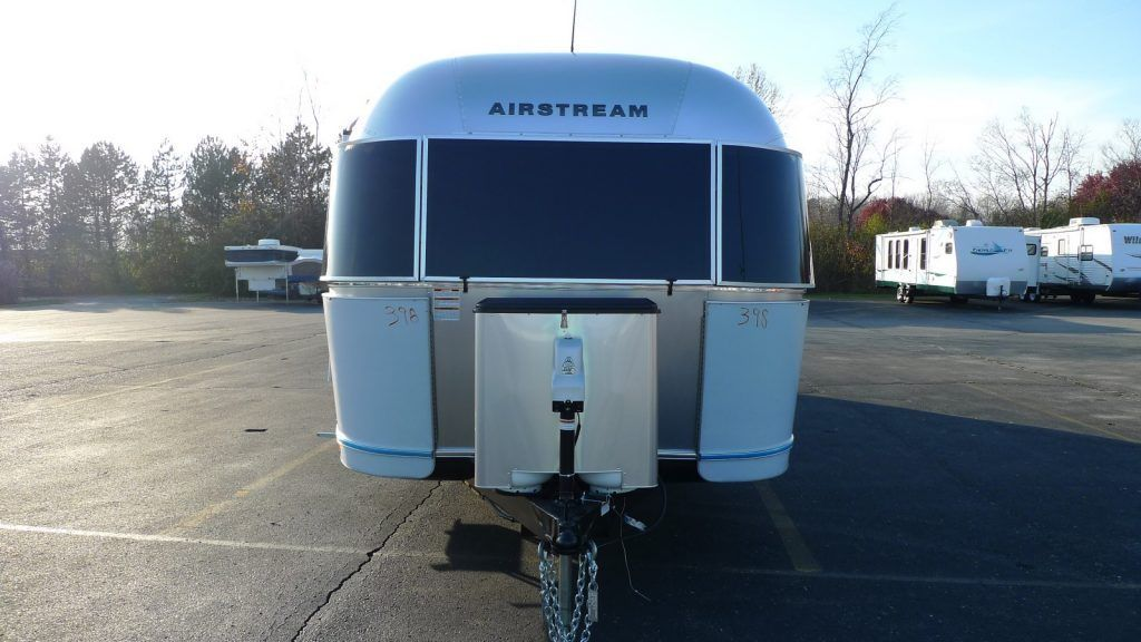 brand new 2017 Airstream International Serenity 30 Camper for sale