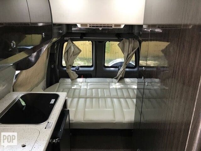equipped 2010 Airstream Avenue motorhome