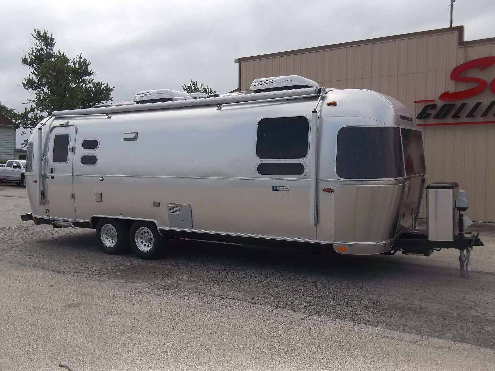 fresh 2017 Airstream Tommy Bahama camper for sale