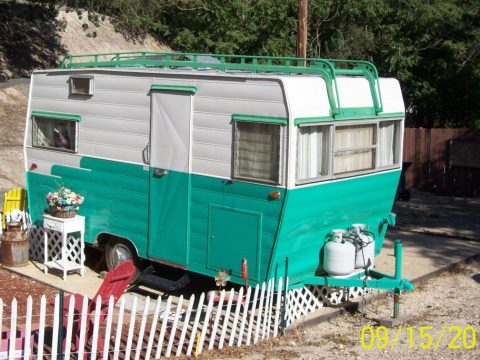 needs tires 1963 Aristocrat camper trailer for sale