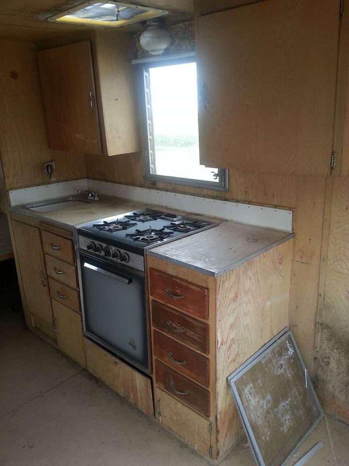 needs TLC 1963 Shasta camper trailer