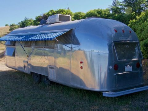 original 1962 Airstream Sovereign Land Yacht 30′ Camper trailer for sale
