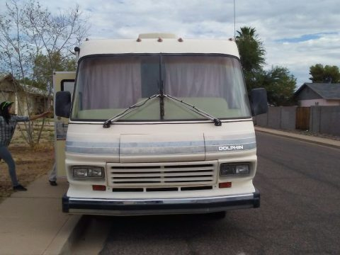 Excellent condition 1990 Chevrolet Dolphin camper RV for sale