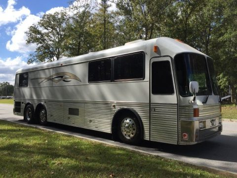golf cart bay 1990 Prevost American Silver Eagle camper for sale