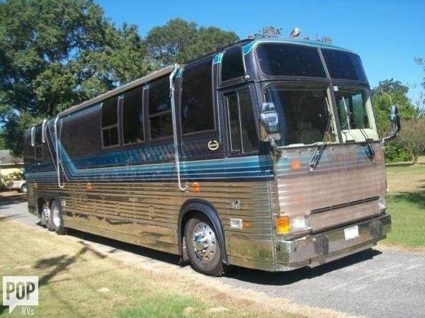 good shape 1989 Prevost camper motorhome