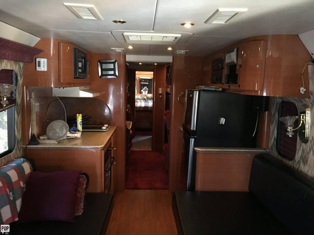 home on wheels 1988 Prevost camper motorhome