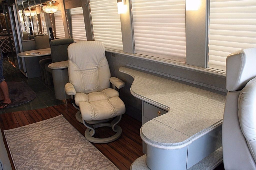 spectacular 1999 Prevost Country Coach XL camper