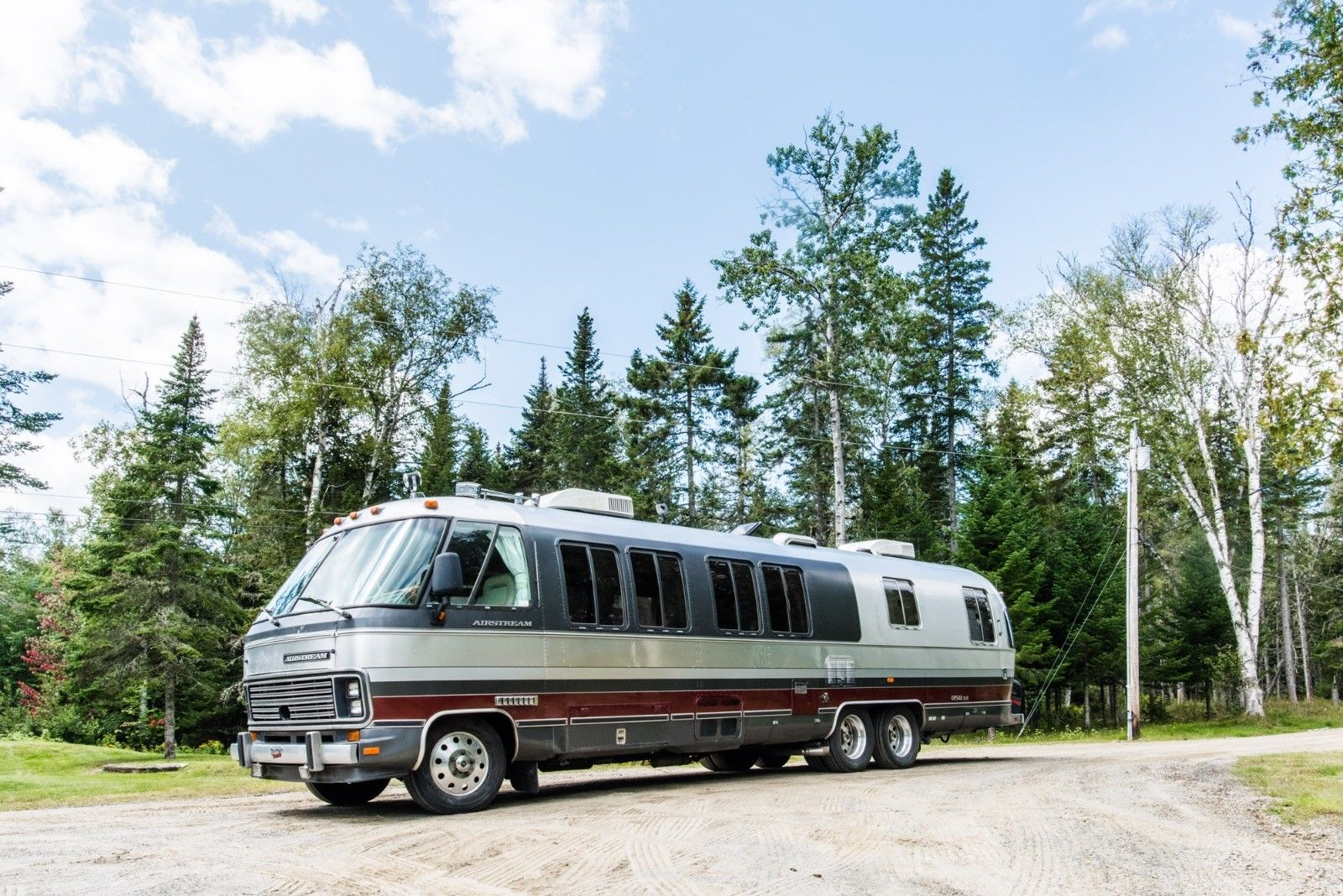 top shape 1991 Airstream Classic Motorhome camper for sale
