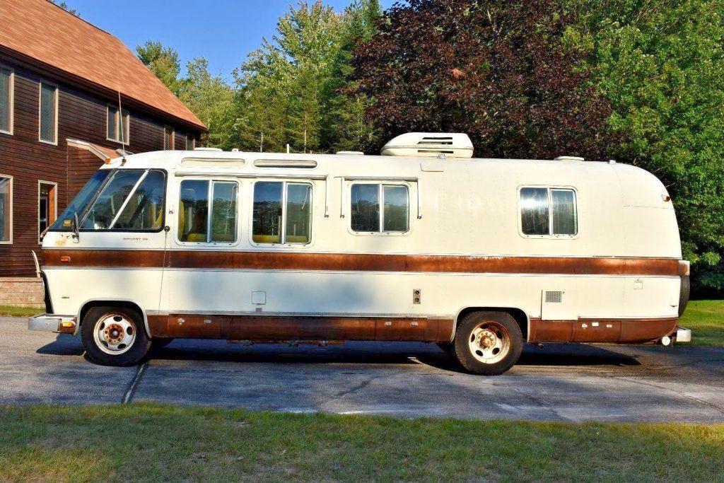 vintage classic 1976 Airstream ARGOSY camper