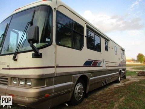 well equipped 1993 Holiday Rambler Navigator camper motorhome for sale