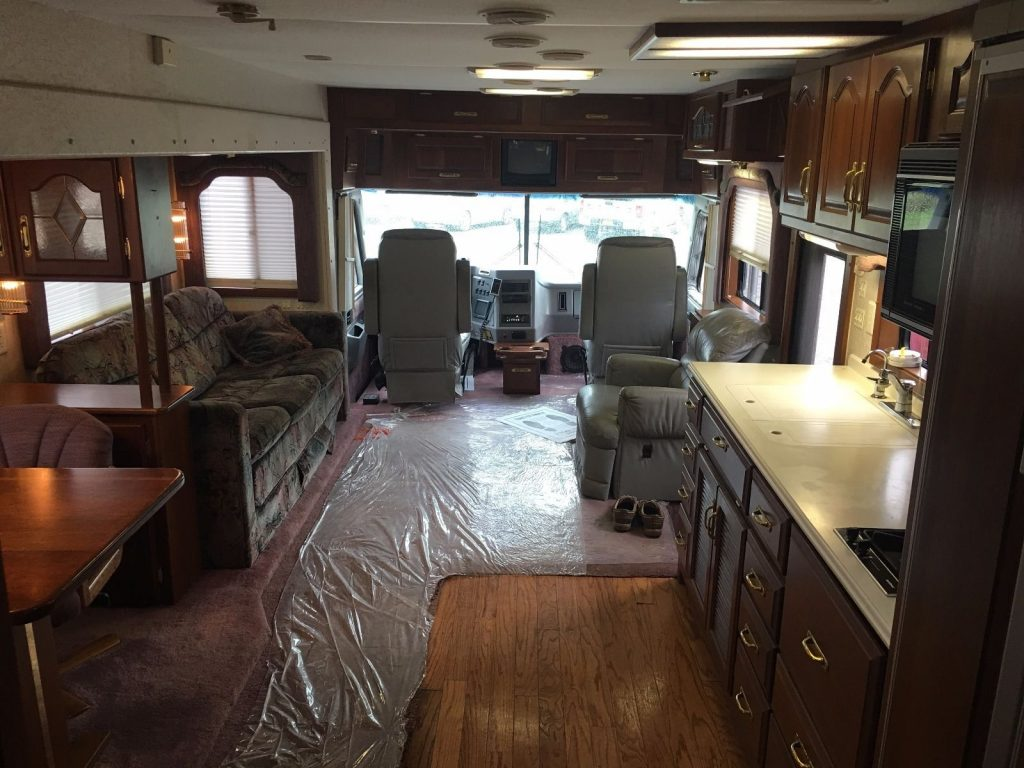 well equipped 1994 Newmar London Aire 40 SKWD camper