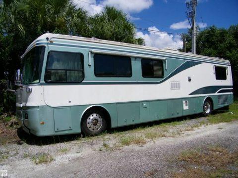 comfortable 1996 Monaco Dynasty camper for sale