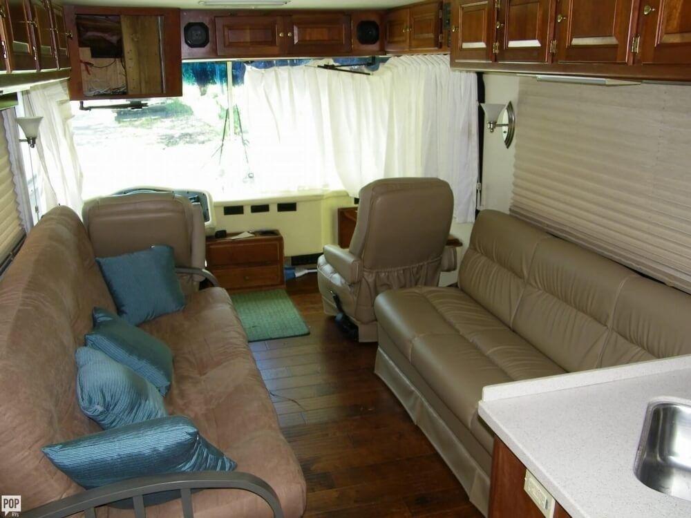 comfortable 1996 Monaco Dynasty camper