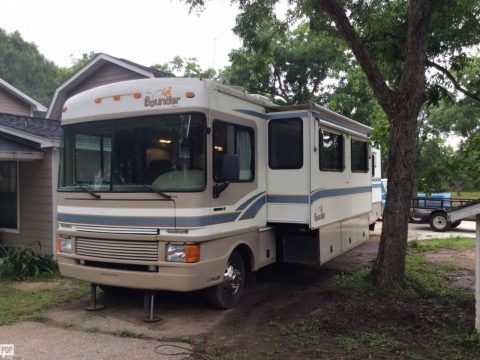 house on wheels 1999 Fleetwood Bounder camper for sale
