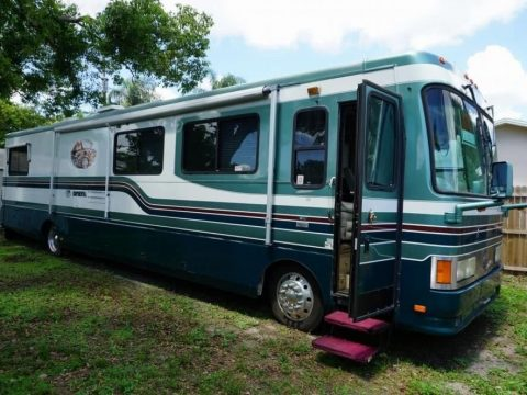 luxurious 1997 Safari Continental camper for sale
