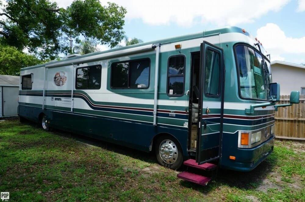 luxurious 1997 Safari Continental camper for sale