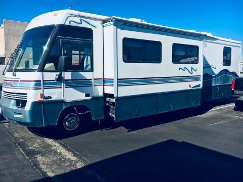 well maintained 1998 Winnebago Itasca Suncruiser camper for sale