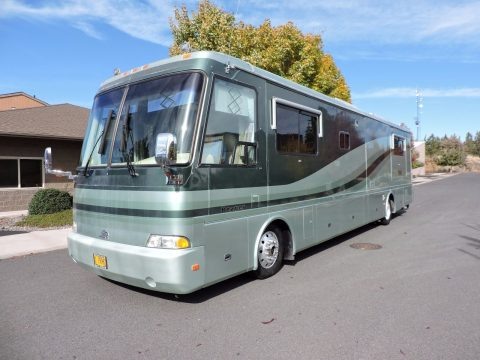 very well maintained 2000 Beaver Patriot 40 2 Slides camper for sale